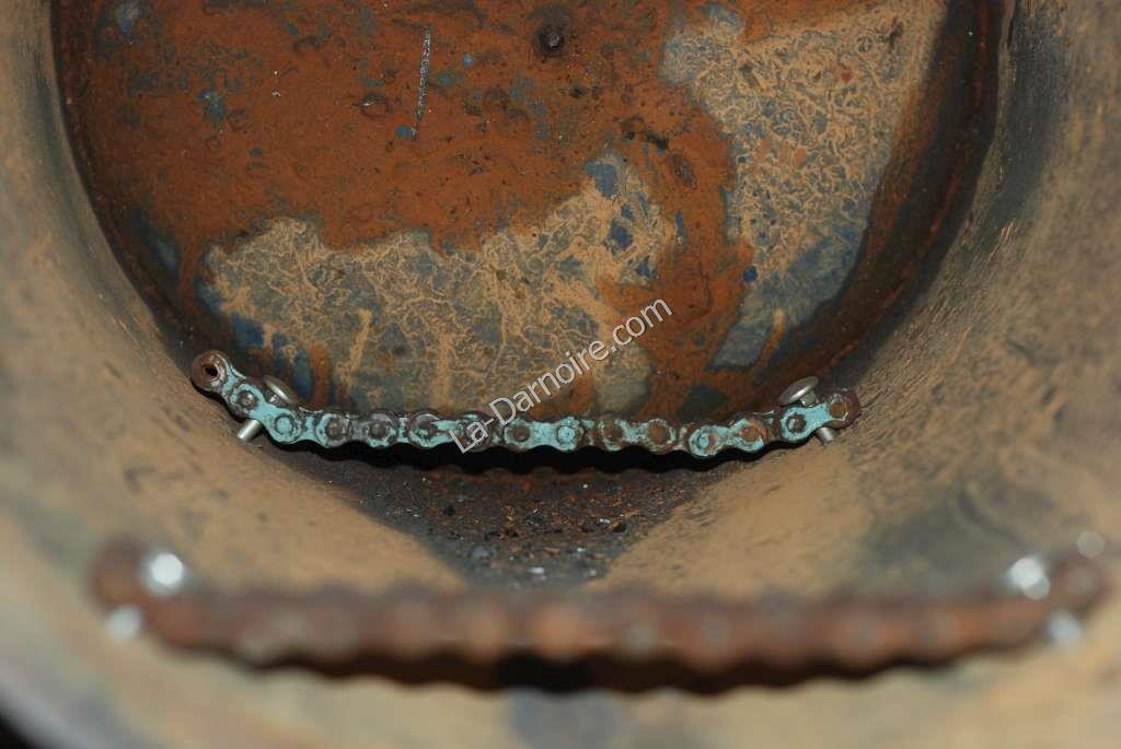 Heavy duty drive chains as fire grate supports