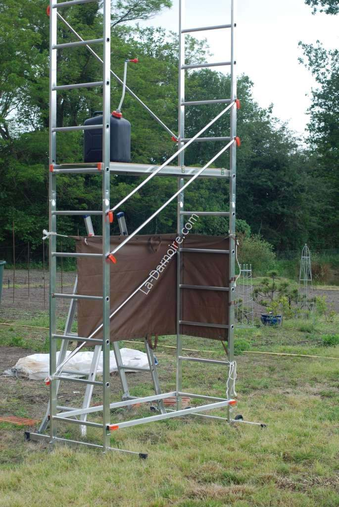 The 5m scaffolding as a shower platform