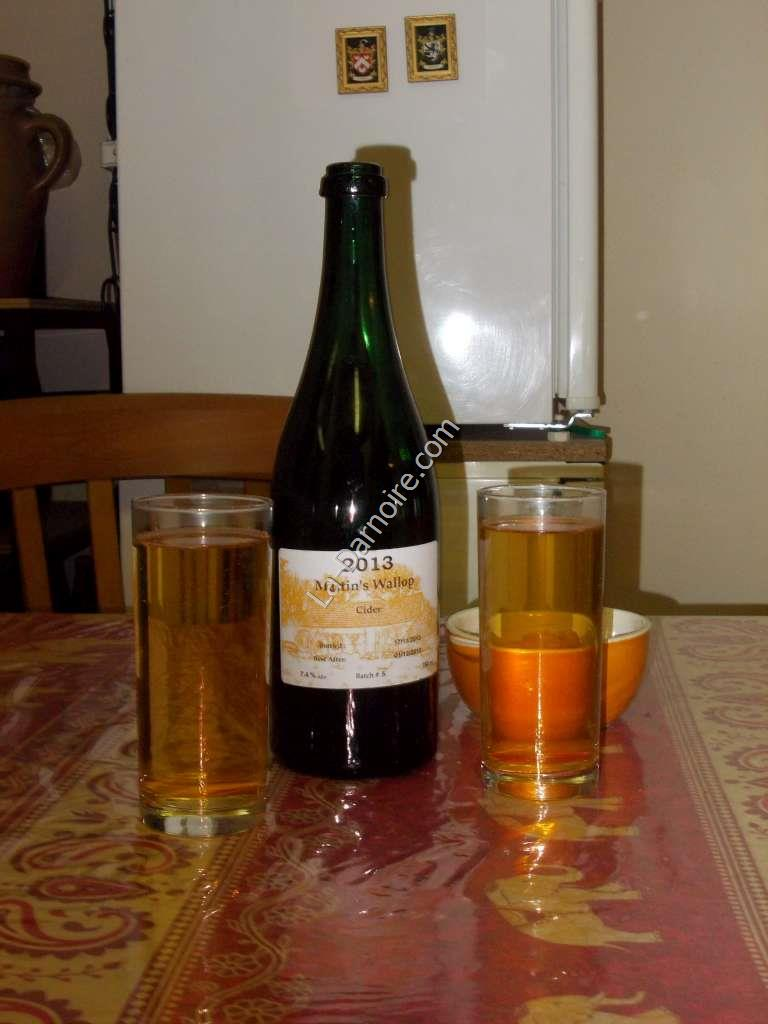Home-brewed apple cider