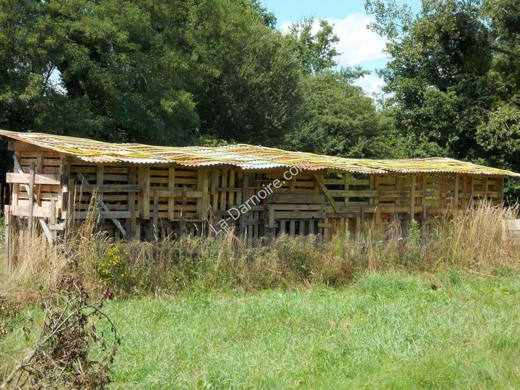 The pallet shed roof becomes a solar collector