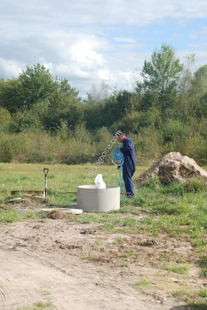 Preparing to lower the ZDS pump into the borehole