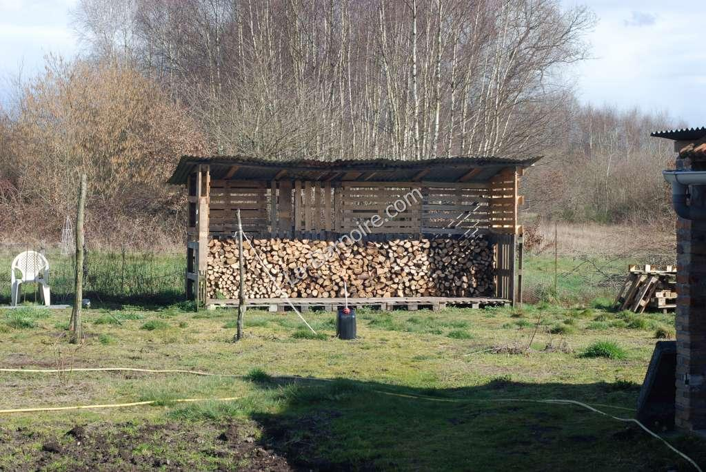 The pallet wood shed in use